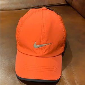 Nike golf adjustable cap NWT